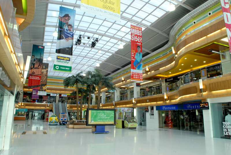 Iscon Mega Mall Ahmedabad Shopping Malls In Gujarat Mallsmarket Com